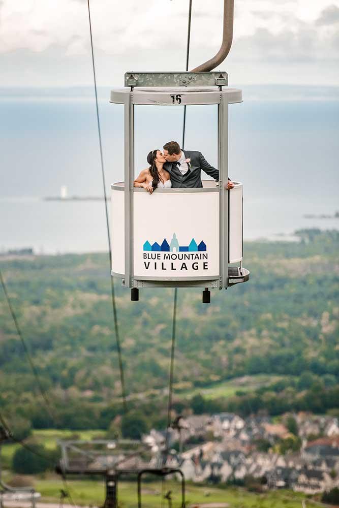 Blue Mountain wedding couple on Gondola